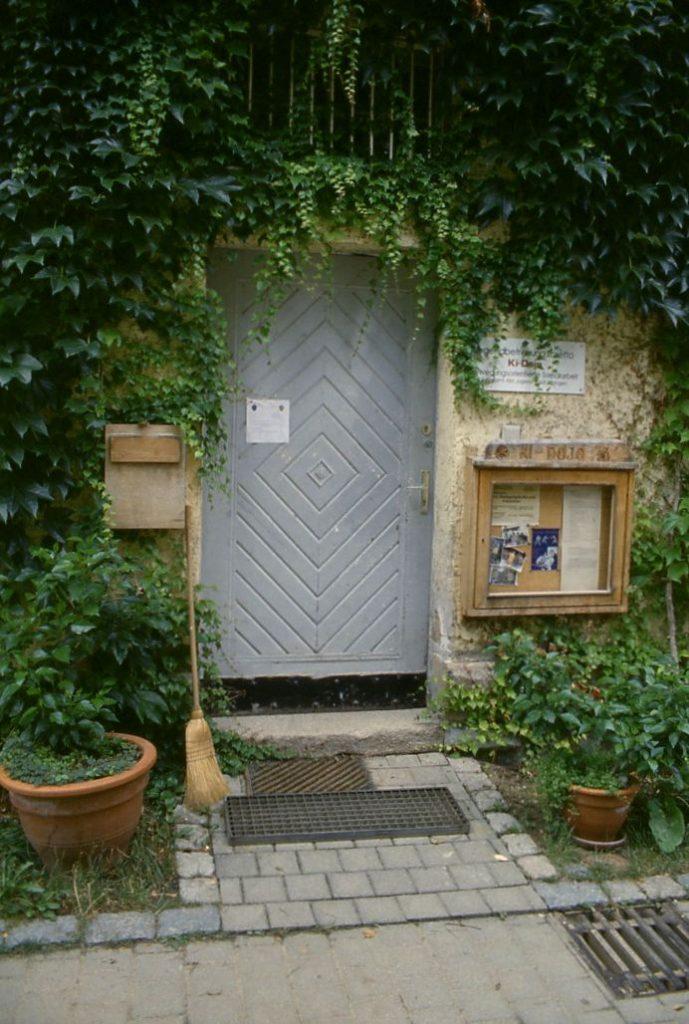 Tür zum KIDOJO - Eingang